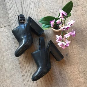 Vince Black Leather Mules EUC